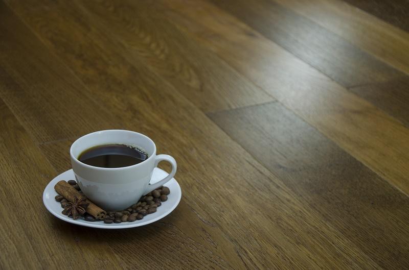 Rozbudź swoje wnętrze – podłoga Coffee z serii Colours of the World firmy Kaczkan