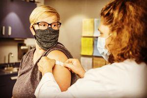 Szczepienia na COVID-19, a badania laboratoryjne