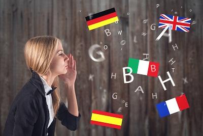 Polacy inwestują w naukę i kursy językowe