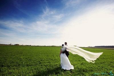 Ślub w plenerze – fakty i mity