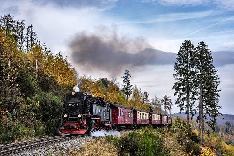 Historyczną koleją w podróż po Małopolsce