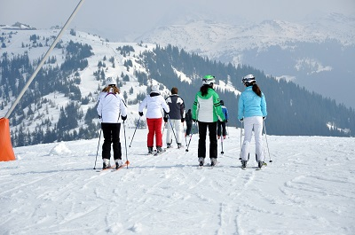 Jak wybrać odpowiedni ośrodek narciarski w polskich górach?