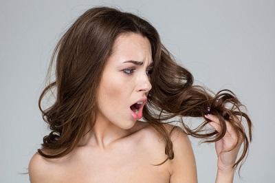 Jak przeciwdziałać wypadaniu włosów?