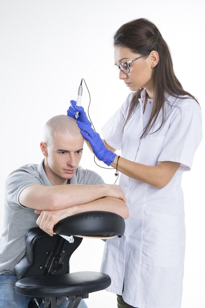 Jak poradzić sobie z łysieniem?