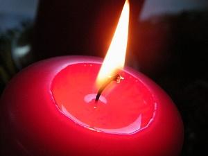 Niektóre świece zapachowe mogą szkodzić. Wybieraj te naturalne