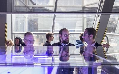 """Tajemnice kropek kwantowych odkryte. Strefa """"Samsung i kropka"""" w Centrum Nauki Kopernik"""