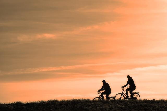 Polacy na rowery. Kto jezdzi najwiecej i dlaczego?
