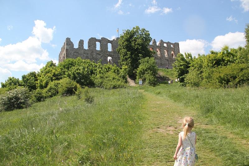 Zamek Rabsztyn z dziećmi