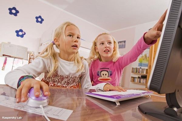 Z nowego badania wynika, że internet jest źródłem konfliktów i oddalania się w rodzinie