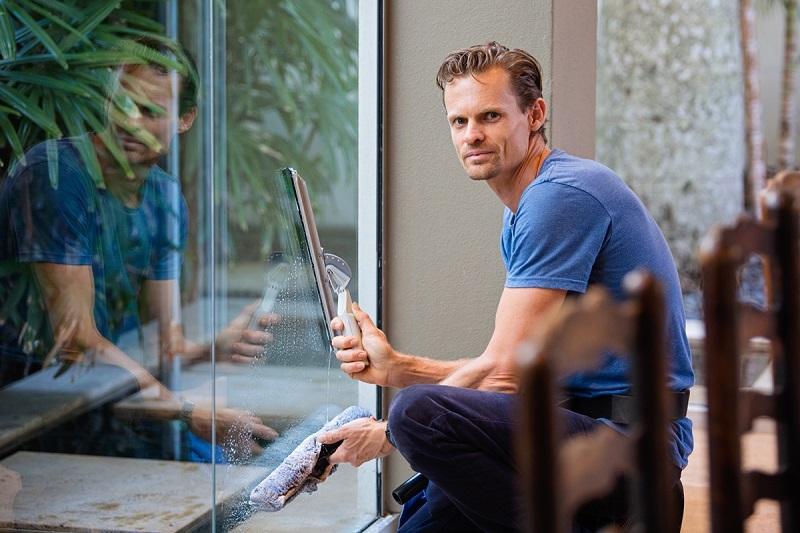 Jak Twoje okna przetrwały zimę? Praktyczne sposoby na konserwację i czyszczenie stolarki okiennej