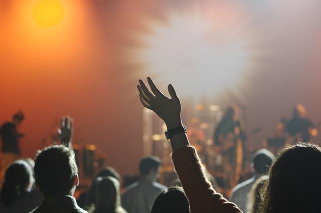 Jak dotrzeć na 5 topowych europejskich festiwali muzycznych?