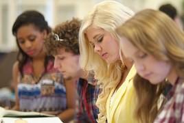 Studia podyplomowe z marketingu - czy warto?