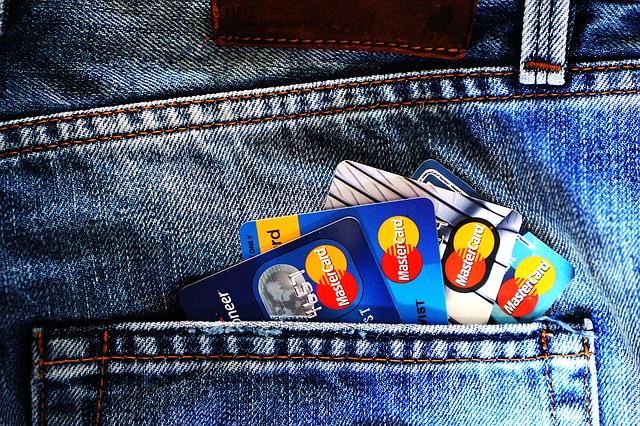 Darmowe unijne konta trafiły do oferty banków. Nie zawsze będą bezpłatne