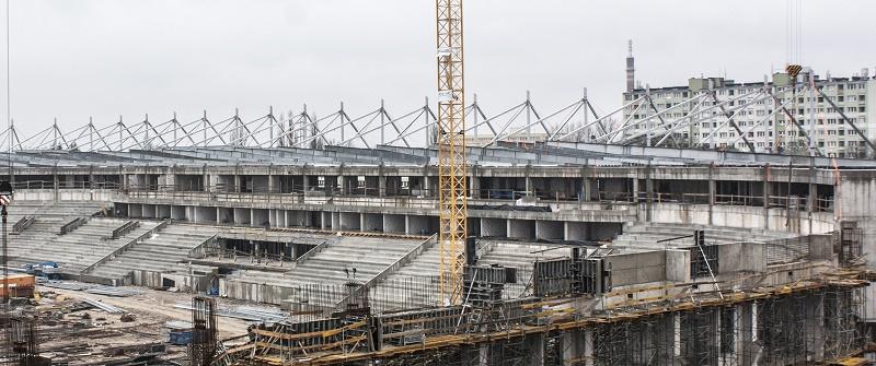 Trwa montaż konstrukcji stalowej dachu Stadionu Miejskiego w Łodzi