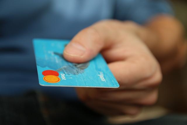 Jak firmy mogą zyskać na wdrożeniu płatności mobilnych?
