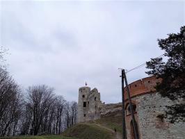 Staw Wroński i Zamek Tenczyn z dziećmi