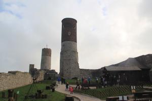 Zamek Królewski w Chęcinach z dziećmi