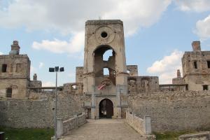 Zamek Krzyżtopór z dziećmi