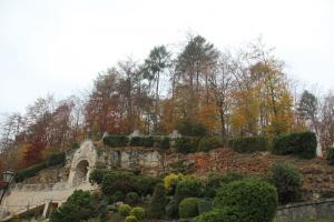 Dolina Eliaszówki i klasztor w Czernej z dziećmi