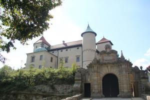 Zamek Wiśnicz z dziećmi